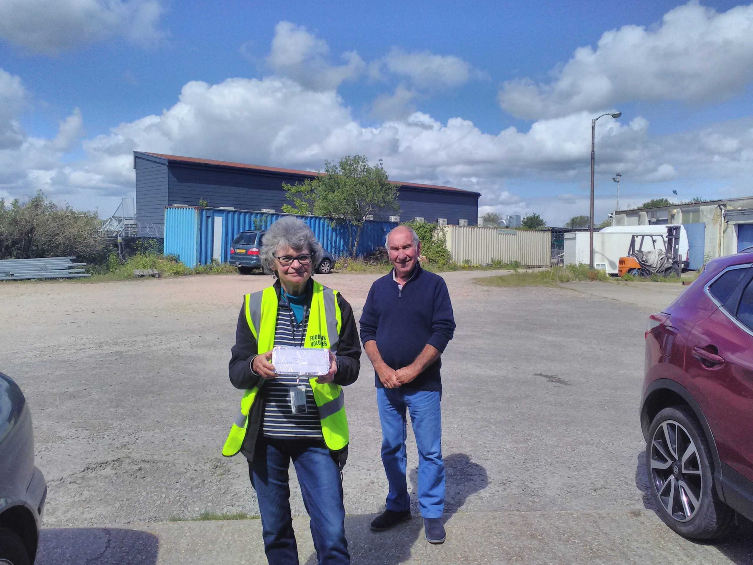 picture of Colin tonks and a helper from Deal Foodbank